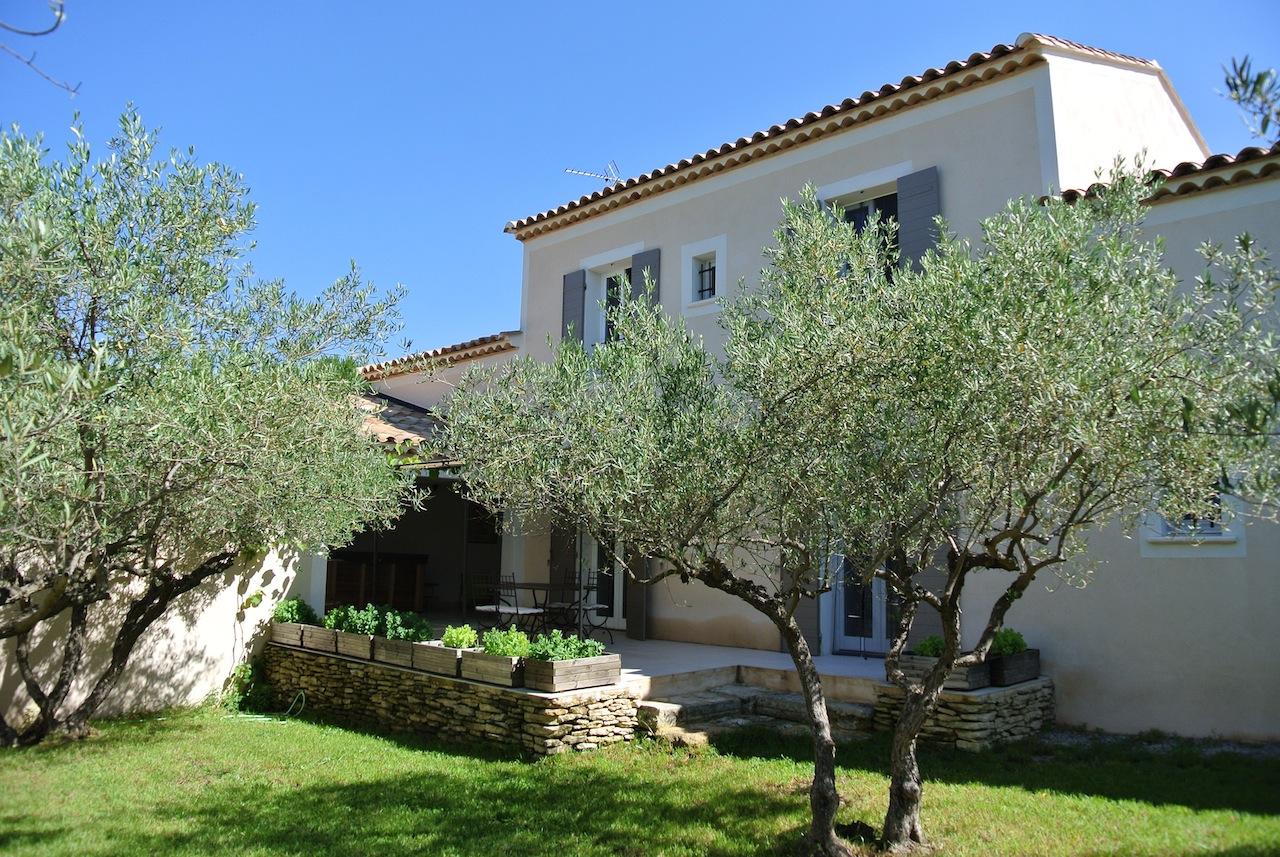 Gites gard sommieres avec piscine et spa locations de vacances au sud de la france - Petit jardin proven nimes ...
