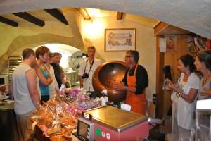 découverte de la chocolaterie avec les hôtes des gîtes de la bastide des oliviers de Souvignargues