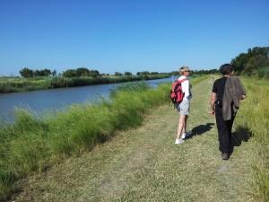 randonnée pédestre ou V.T.T. qui longe le canal du Rhône à Sète