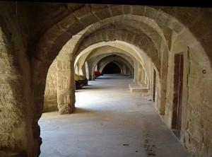les arches de la places du marché à Sommières